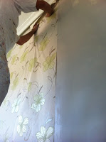 empapelar habitación con papel pintado